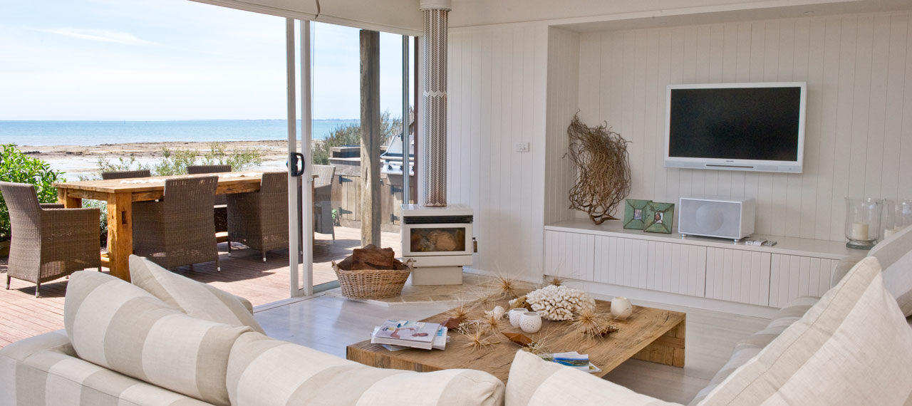 Spindrift-beach-holiday-house-living room