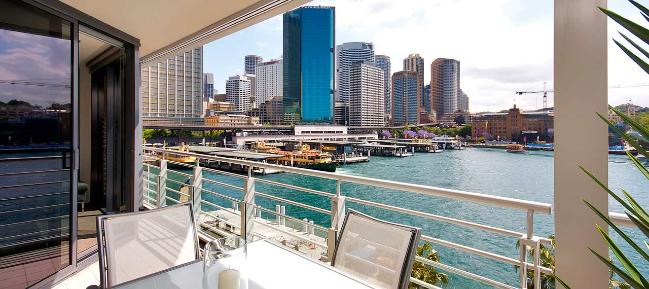Sydney-harbour-view-holiday-apartment