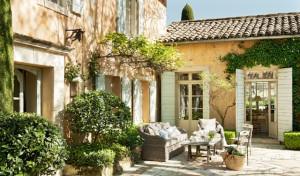 holiday cottages south of france