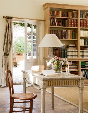 luxury rentals provence study room