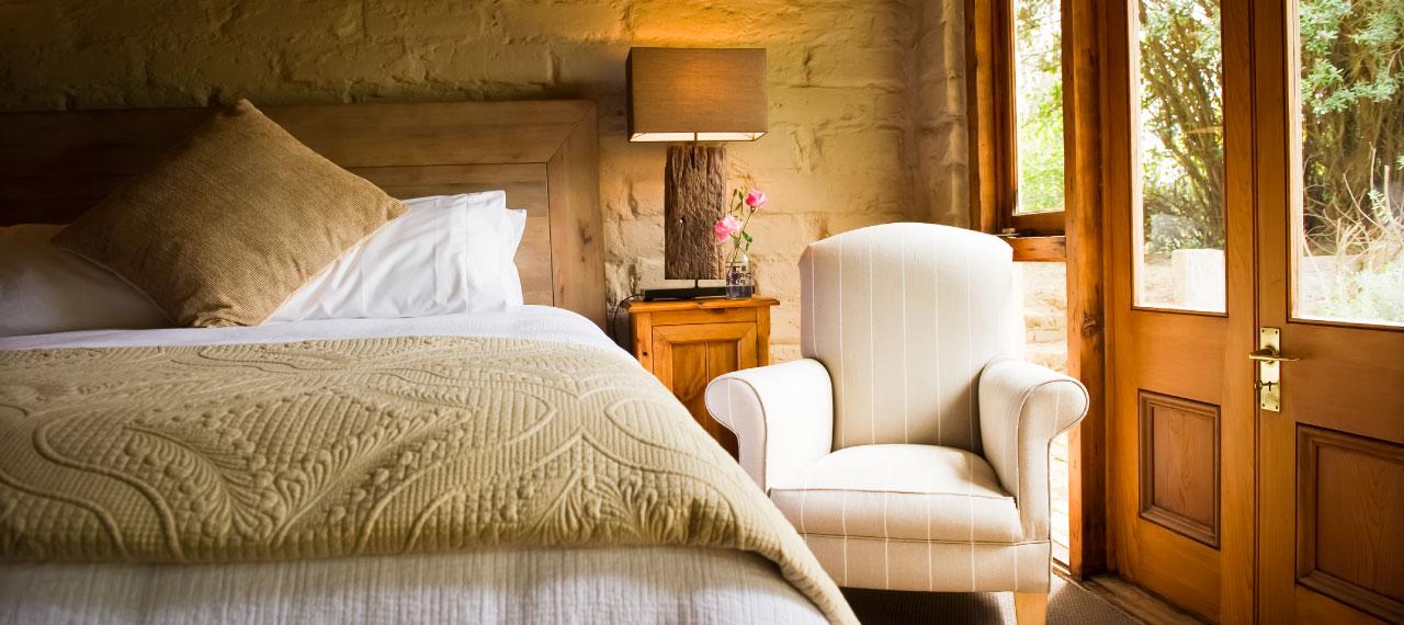 vinyard cottage bedroom
