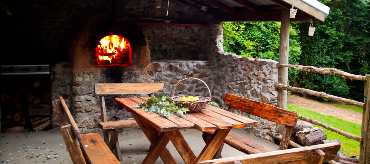 woodfired pizza oven vineyard lodge